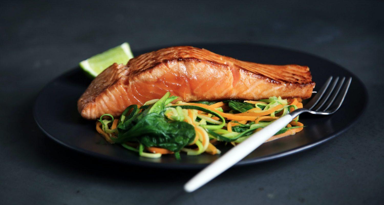 Pavé de saumon et petits légumes